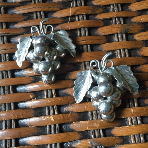 TAXCO Jewelry - Artist Signed Sterling TAXCO Pin Pair